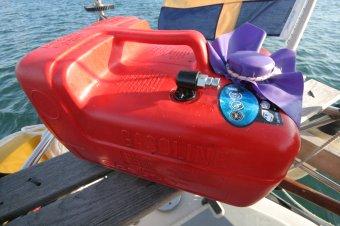Bensindunk båt